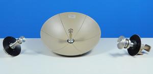 Satcom antenna and feeds